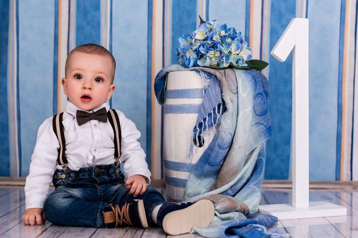 Fotograf copii. Aniversare 1 an. Sedinta foto cu tematica aniversare 1 an la studio svproductions din Recas, Timisoara.Decor pentru aniversare.