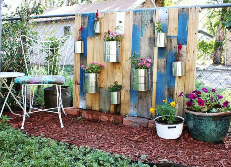 DIY vertical garden that can be added to a fence