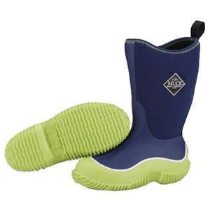 Every parent wants their kids to be comfortable whilst they roam the great outdoors. This is exactly why the Kids Hale Muck Boots were designed. This Hale boot is finished with Blue upper and lime green rubber sole.