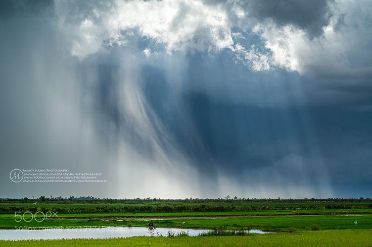 Raining And Ray ! (ខតតកពងចម) by MardySuongPhotography. Please Like http://fb.me/go4photos and Follow @go4fotos Thank You. :-)
