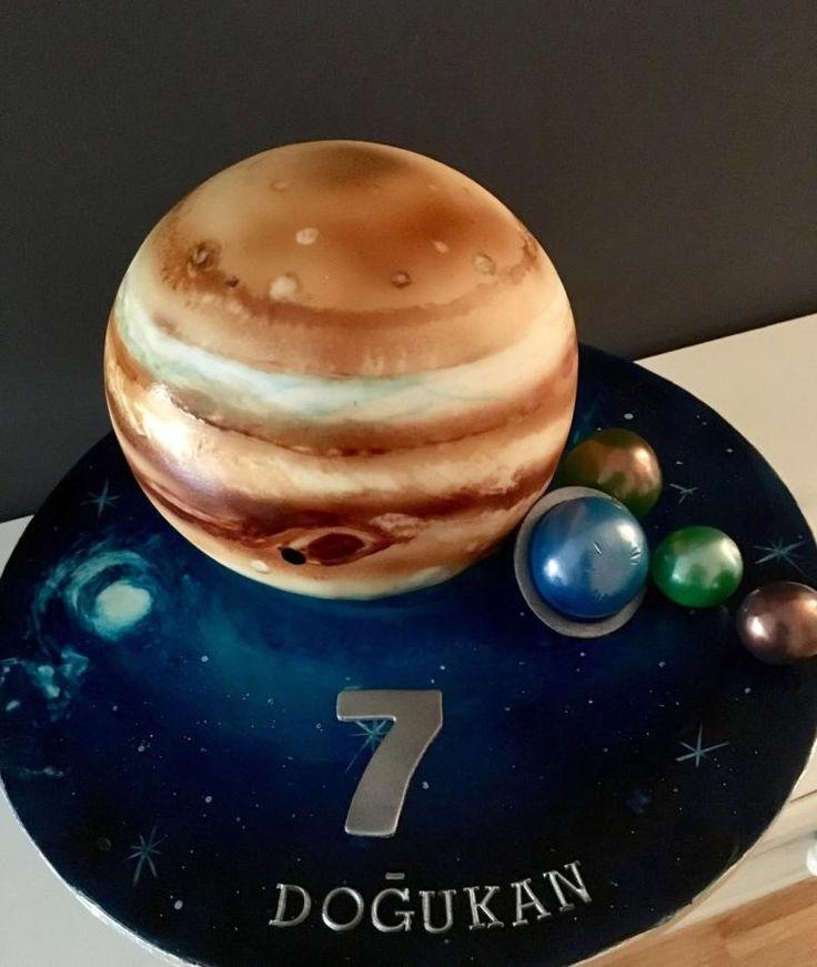 Jupiter Cake by Şebnem Arslan Kaygın