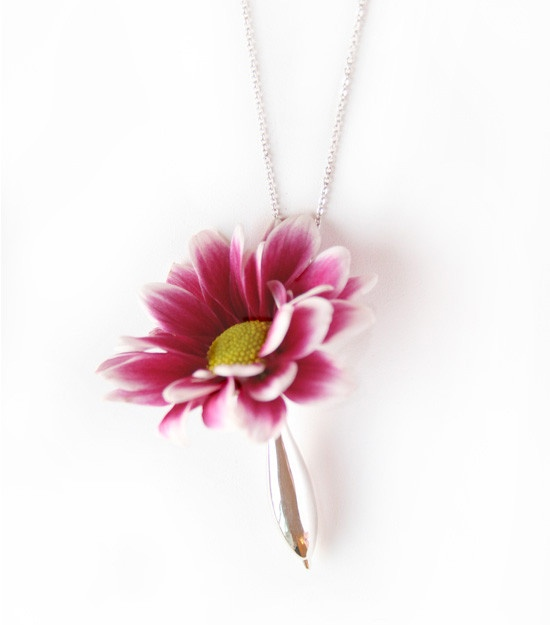 wear real flowesr and water in this unique mini vase necklace by Fleurings water resistant polished stainless steel
