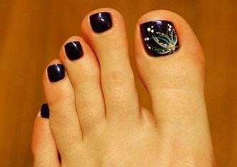 Unghie alla moda: Decorate anche le unghie dei piedi