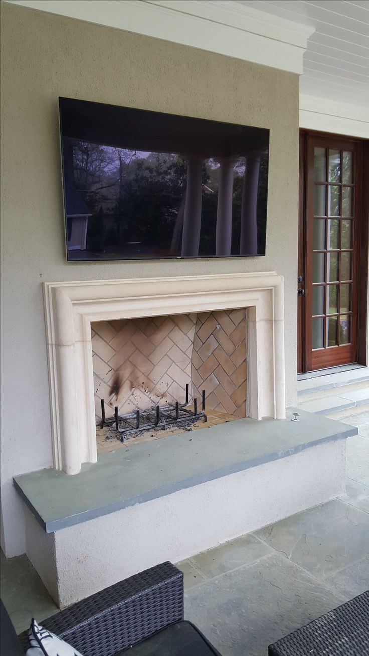 modern cast stone or concrete fireplace surround - Moderner Kamin Umgibt Kaminsimse