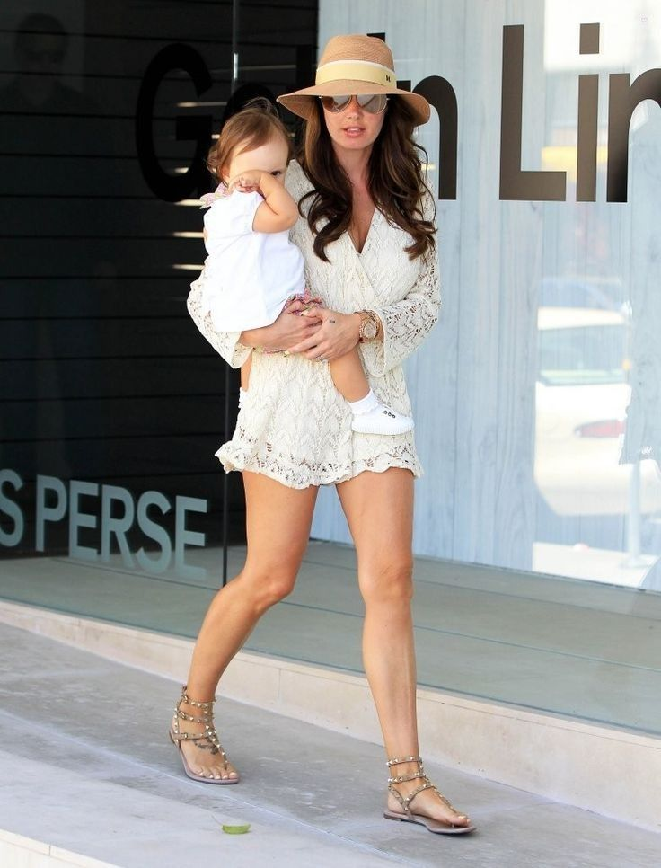 Tamara & Petra Ecclestone Enjoy Beverly Hills With Their Daughters - Celebrity Fashion Trends