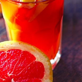 Zingy Pink Grapefruit Soda, helps flush belly fat