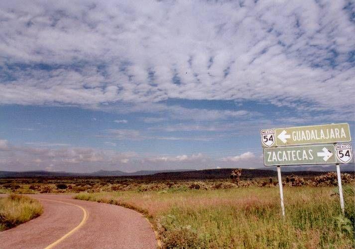 MEXICO/Guadalajara e Zacatecas............. al norte, prima nella Baja California, poi la Barranca del Cobre, Chihuahua, Durango e Zacatecas. Passando per San Blas, Puerto Vallarta, Tenacatita e Melaque. Per finire Guadalajara e Morélia fino a Ciudad de Mexico.