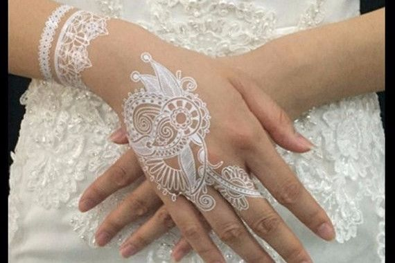 White Temporary Tattoo, Henna Tattoo, Lace Lacy Hand Finger Arm Bracelet , Wedding Bride Gift, Bridal Accessories, Bohemian Boho Tribal