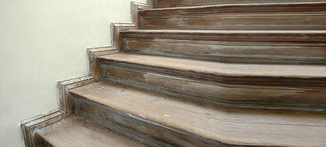 Holztreppe renovieren: Tipps zum Selbstmachen