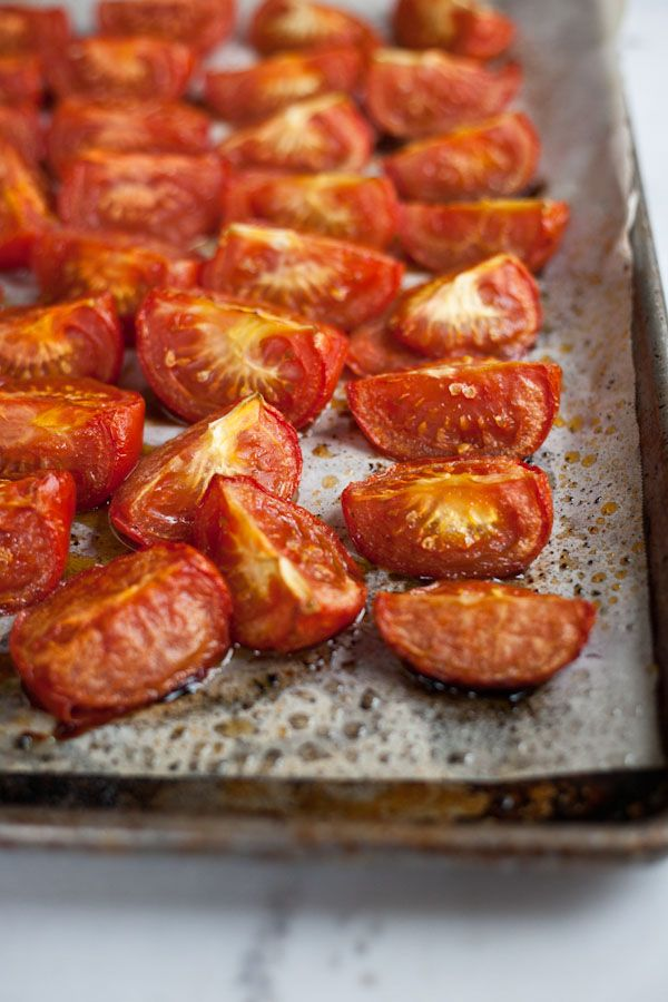 Roasting+tomatoes+in+the+summer+returns+the+sweetness+of+summer+in+less+than+an+hour.