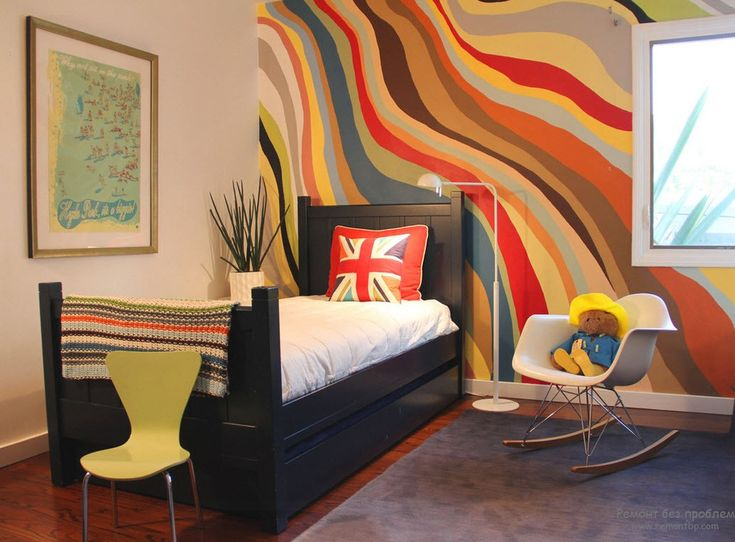 Необычная покраска стен в комнате использование трафарета, губки ...