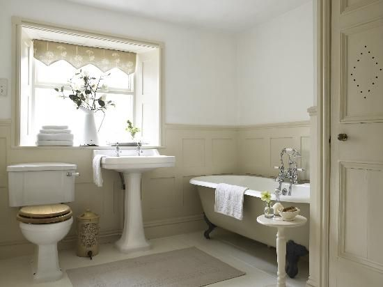 Alstonefield Uk Panelled Bathroom With Roll Top Bath