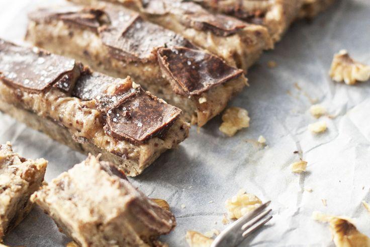 Dit is mijn eerste recept op OMF en ik vind dat we dat best een beetje feestelijk mogen beginnen. Dus […] Het bericht Salted caramel chocolate bars met dadels verscheen eerst op OhMyFoodness.