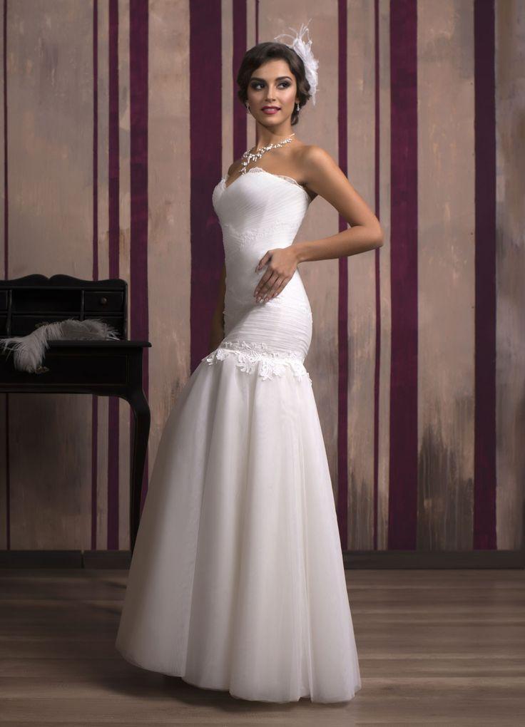 Krásne svadobné šaty v štýle morská panna s tylovou sukňou