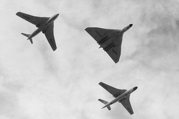 Handley Page Victor, Avro Vulcan and Vickers Valiant at the 1958 Farnborough Air Show