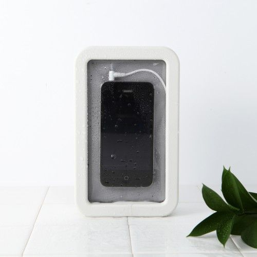Splash-proof Speaker for Smartphone - this is a must have if you spend your weekends at the pool or are lucky enough to put your toes in the sand