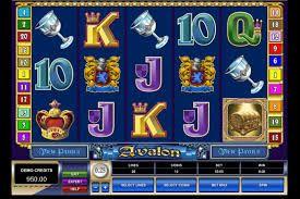 Unter Slot Spielern gilt Avalon als ein Microgaming Spielautomaten Klassiker. Er thematisiert den mystischen Ort Avalon, der aus der Artussage bekannt ist....http://www.online-kasino-spielautomaten.com/Avalon/