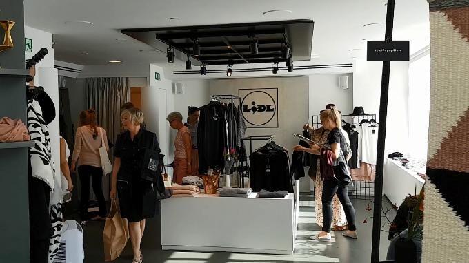 Der Discounter Lidl hat einen Pop-up Store in Hamburg eröffnet, um seine…