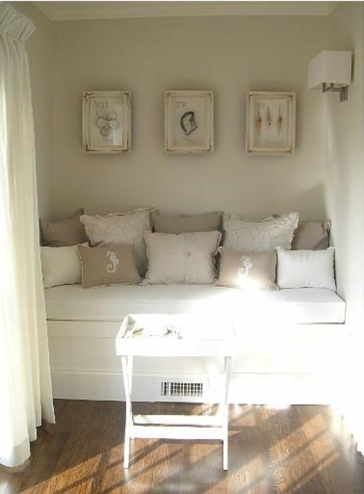 1000 images about pillows on pinterest shabby day bed. Black Bedroom Furniture Sets. Home Design Ideas