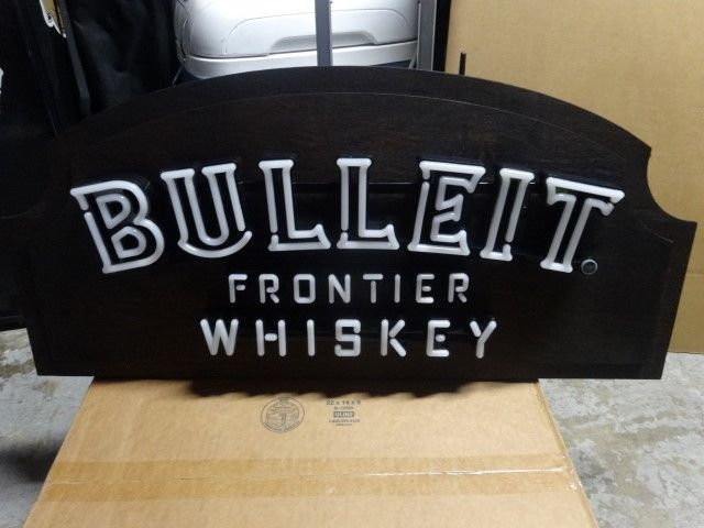 BULLEIT FRONTIER WHISKEY LED NEON LIGHT SIGN  neon