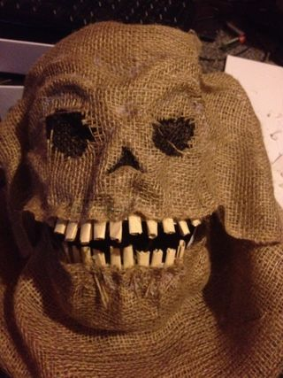 How to make a scary scarecrow mask