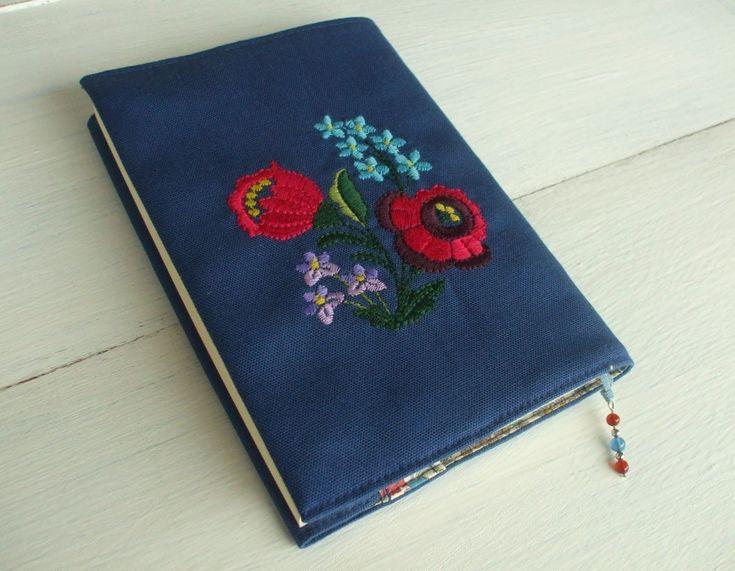 花刺繍の文庫本ブックカバー 青