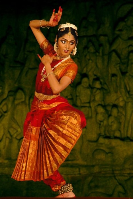 Beautiful…    South-Indian Dancer by ~dvlazar