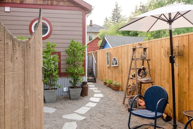 Ye olde tiny house - tiny house for rent on airbnb  Alberta
