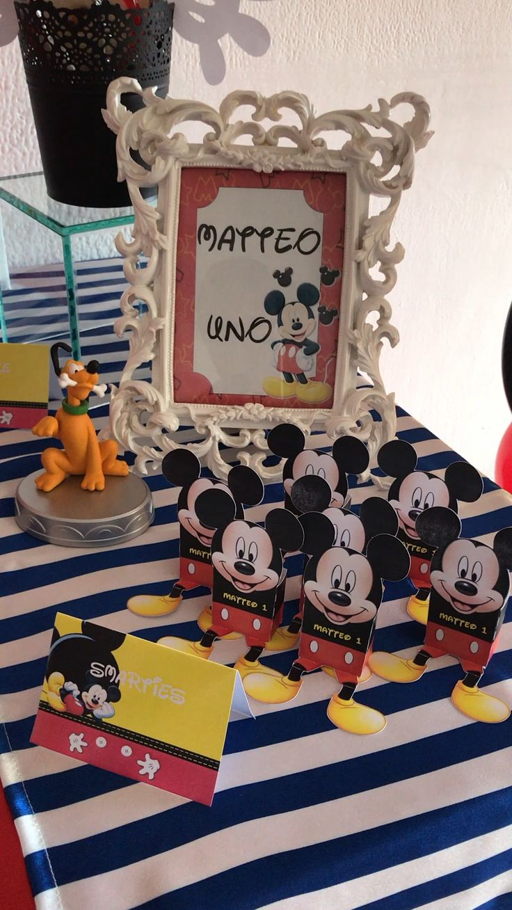 Mickey mouse party topolino Candy table