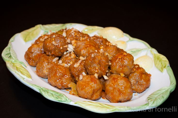 Polpette in agrodolce, ricetta siciliana Sweet and sour meatballs, traditional Sicilian recipe