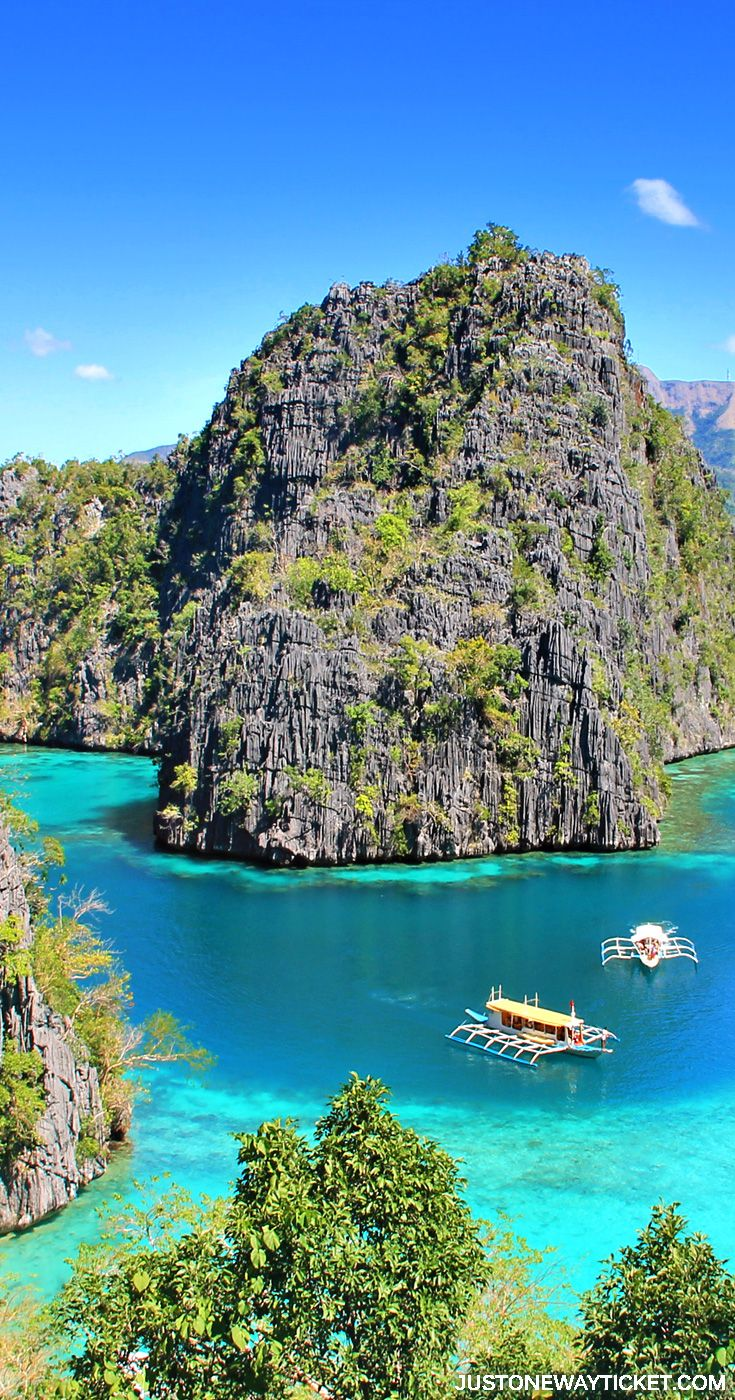 The views you get before entering Kayangan Lake in Coron | A Travel Guide to Philippines Last Frontier | El Nido and Coron are dream destinations for scuba diving, island hopping, kayaking, snorkeling, hiking, and so much more. Not sure where to go in Palawan? I'm here to help! || via @Just1WayTicket