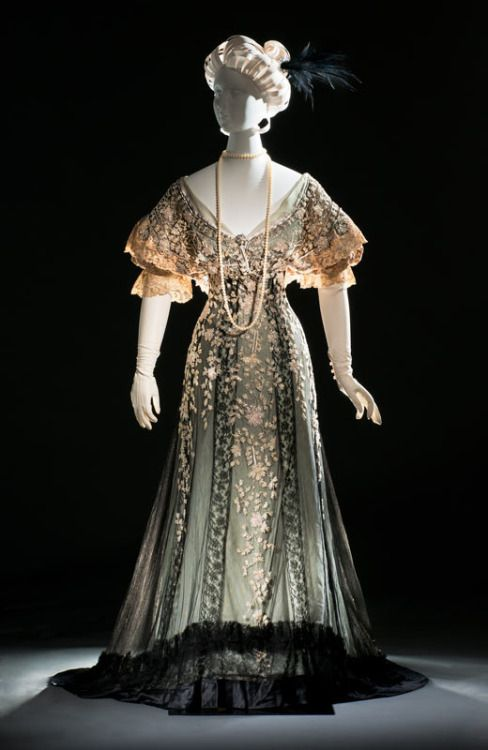 Evening Gown | Callot Soeurs | c. 1907 This evening gown is a delicate confection of silk satin, silk tulle, and thousands of hand-tinted and hand-embroidered glass bugle beads. It was once owned by the internationally famous beauty Consuelo...