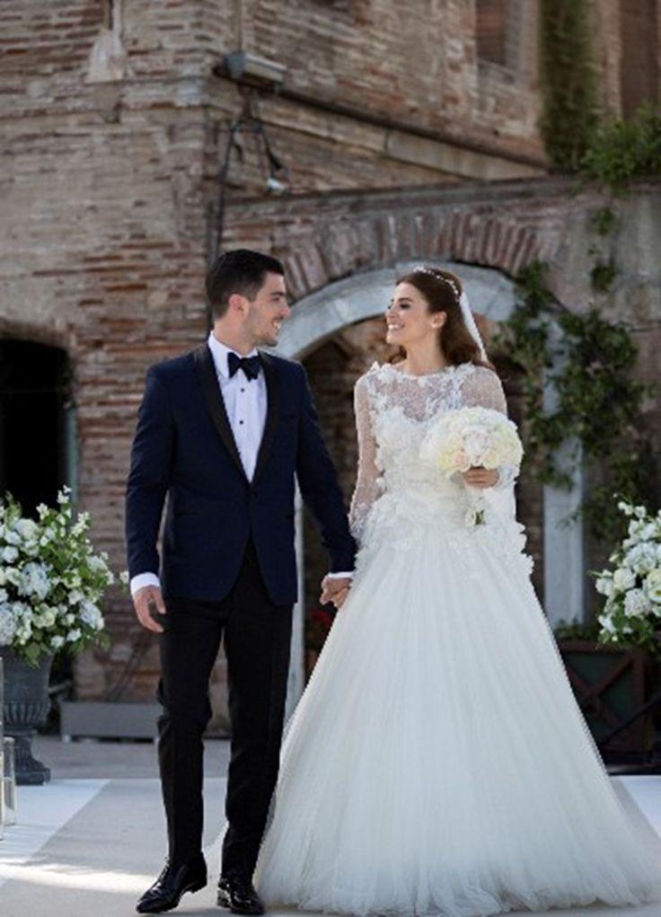 Ünlü oyuncular Ezgi Eyüboğlu ve Kaan Yıldırım dün gece İstanbul Ortaköy Esma Sultan Yalısı'nda evlendi ♥✫✫❤️ *•. ❁.•*❥●♆● ❁ ڿڰۣ❁ La-la-la Bonne vie ♡❃∘✤ ॐ♥⭐▾๑ ♡༺✿ ♡·✳︎·❀‿ ❀♥❃ ~*~ SAT May 21, 2016 ✨вℓυє мσση ✤ॐ ✧⚜✧ ❦♥⭐♢∘❃♦♡❊ ~*~ Have a Nice Day ❊ღ༺ ✿♡♥♫~*~ ♪ ♥❁●♆●✫✫ ஜℓvஜ