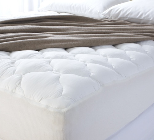 Five great mattress pads, including Cuddledown's Thickest Comfort Pad - via #apartmenttherapy