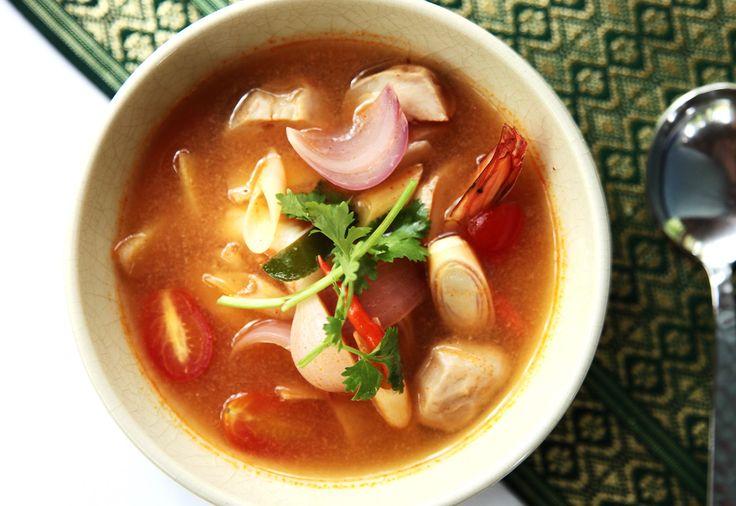 Dokonalé propojení chutí thajské kuchyně - to je TOM YAM polévka