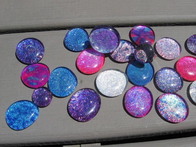 DIY, zelfgemaakte, handgemaakte, glazen stenen, crafting, diy, cadeau, glas, sieraden, nagellak, nagellak ambacht, nagellak, hanger, ring, nagellak sieraden, nagellak, knutselideeën, knutselen met nagellak, alternatieve toepassingen voor , glitter, recyclen, recycling, craftklatch, ambachtelijke klatch
