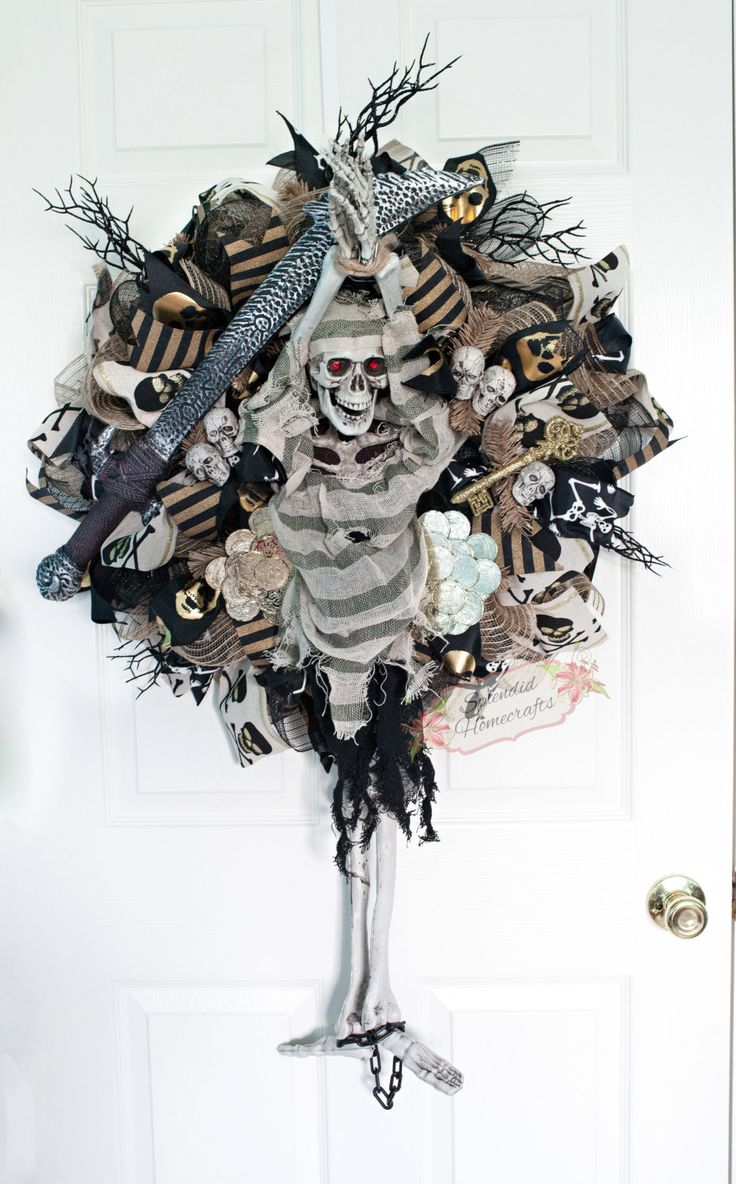 XL Halloween Pirate Wreath, Light up Skeleton Pirate Wreath, Halloween Mesh Wreath, Skeleton Wreath, Burlap Halloween Wreath by Splendid Homecrafts on Etsy