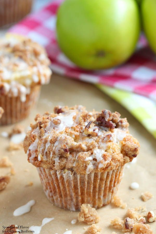 Apple Coffee Cake Muffins - Oh Sweet Basil