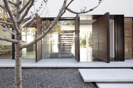 Kfar Shmaryahu House // Pitsou Kedem