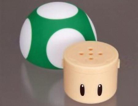Super Mario Mushroom Salt and Pepper Shakers: Peppers Shakersmi, Creative Salts, Mushrooms Salts, Mushrooms Kingdom, Super Mario, Mario Obess, Peppers Shakers Mi, Peppers Mario, Mario Mushrooms