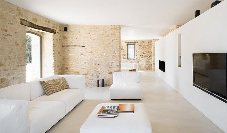 Casa Olivi, 300 year old farmhouse, mix of traditional and modern elements, Italy, Marche