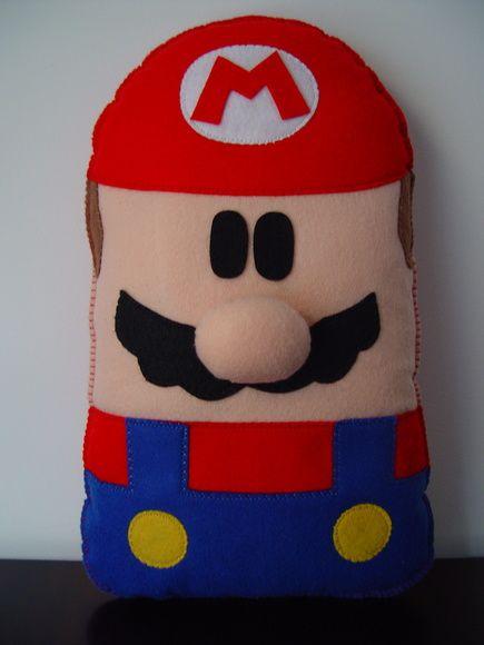 Pipe e Guca - Almofada Mario Bros (cód ALO 0031). Confeccionado em feltro e fibra siliconada. ** PRODUTO ARTESANAL SUJEITO À PEQUENAS VARIAÇÕES. R$ 109,90