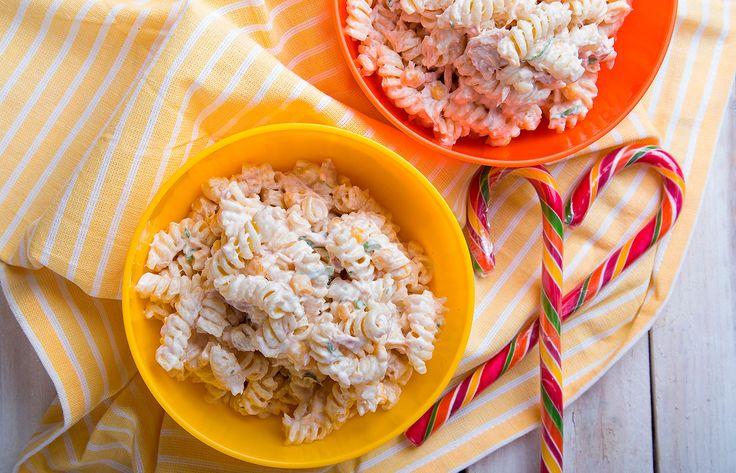 Κρύα σαλάτα ζυμαρικών με τόνο και καλαμπόκι