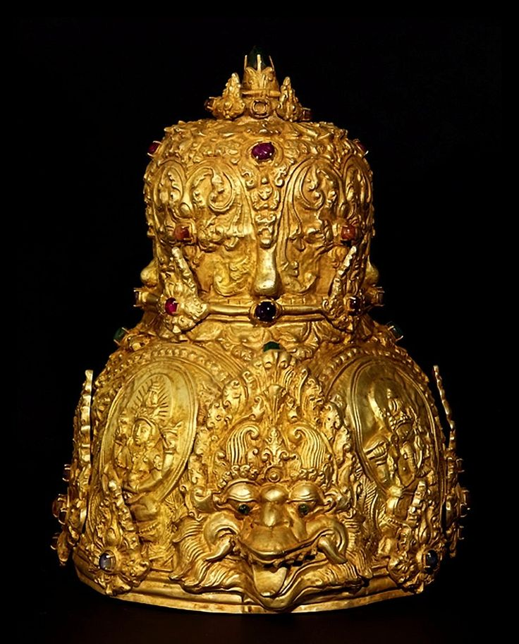 Ancient crown with kirtimukha and deities, gold, Java 10th century