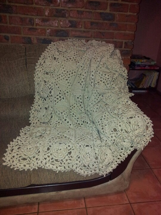 Ravelry pattern - Roses Remembered Afghan