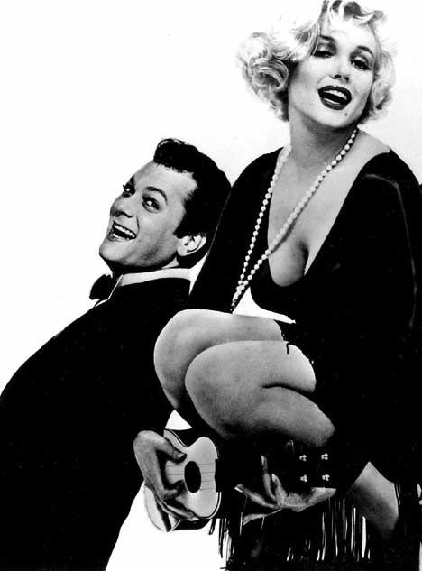 Tony Curtis and Marilyn Monroe in Some Like it Hot, 1959.