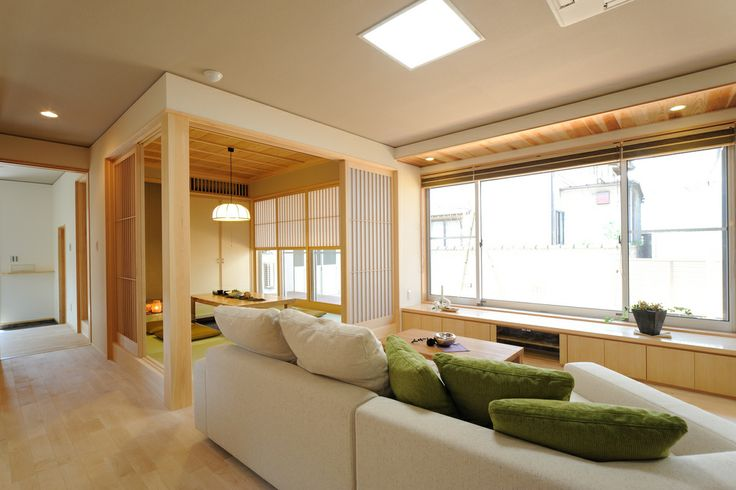 K-K house:リビングから使い勝手の良い小上がりの和室。玄関から直接お客様を通すこともできます。