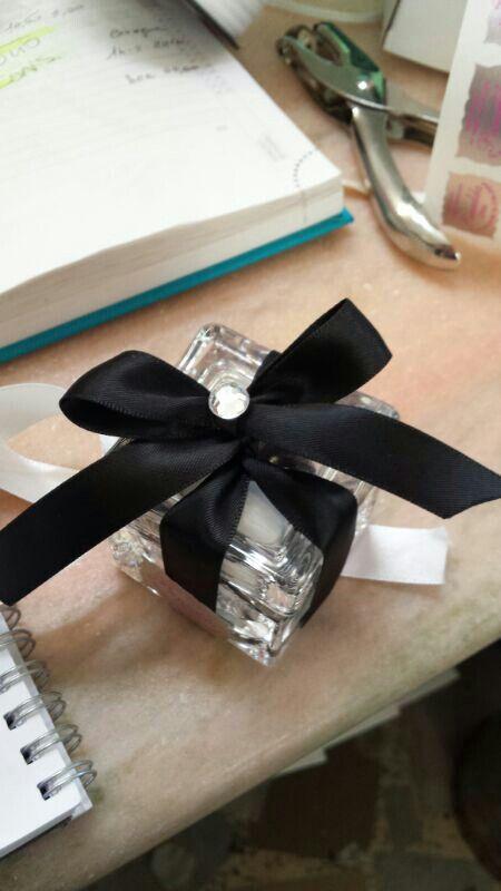 scatola cristallo nastro nero più strass