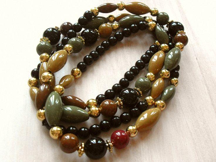 Ketten lang - 70er Jahre Vintage Kette Perlen beige grün schwarz - ein Designerstück von Mont_Klamott bei DaWanda