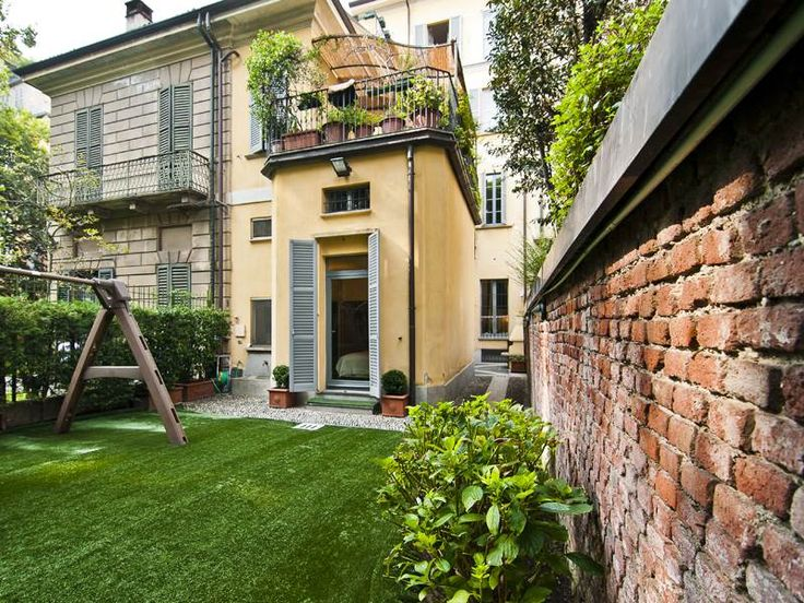 Prestigious apartment with private garden Duomo Milan, Italy – Luxury Home For Sale